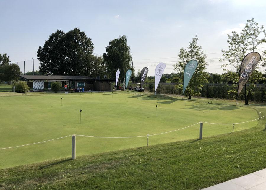 Vista con nuovo manto erboso della nuova Club House Golf Club i Salici